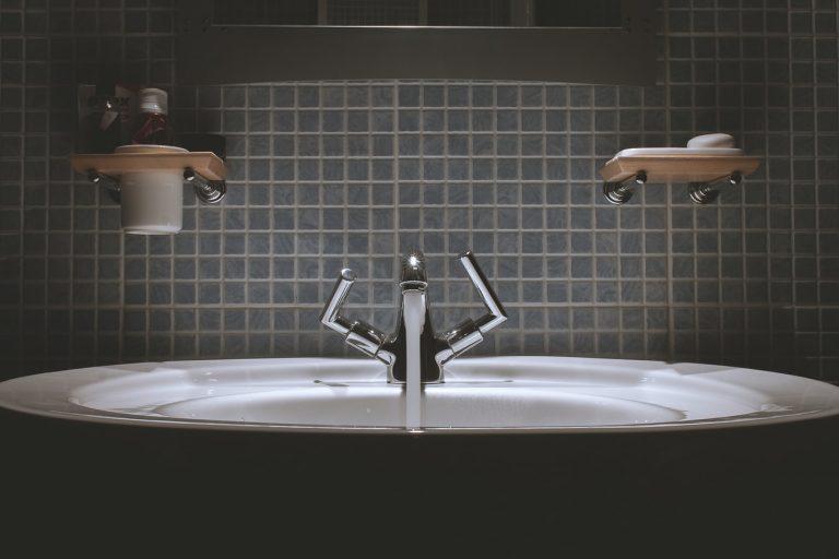 bathroom fixtures |Tub Reglazing | Bathtub Refinishing | VT Lakewood Tub Reglazing