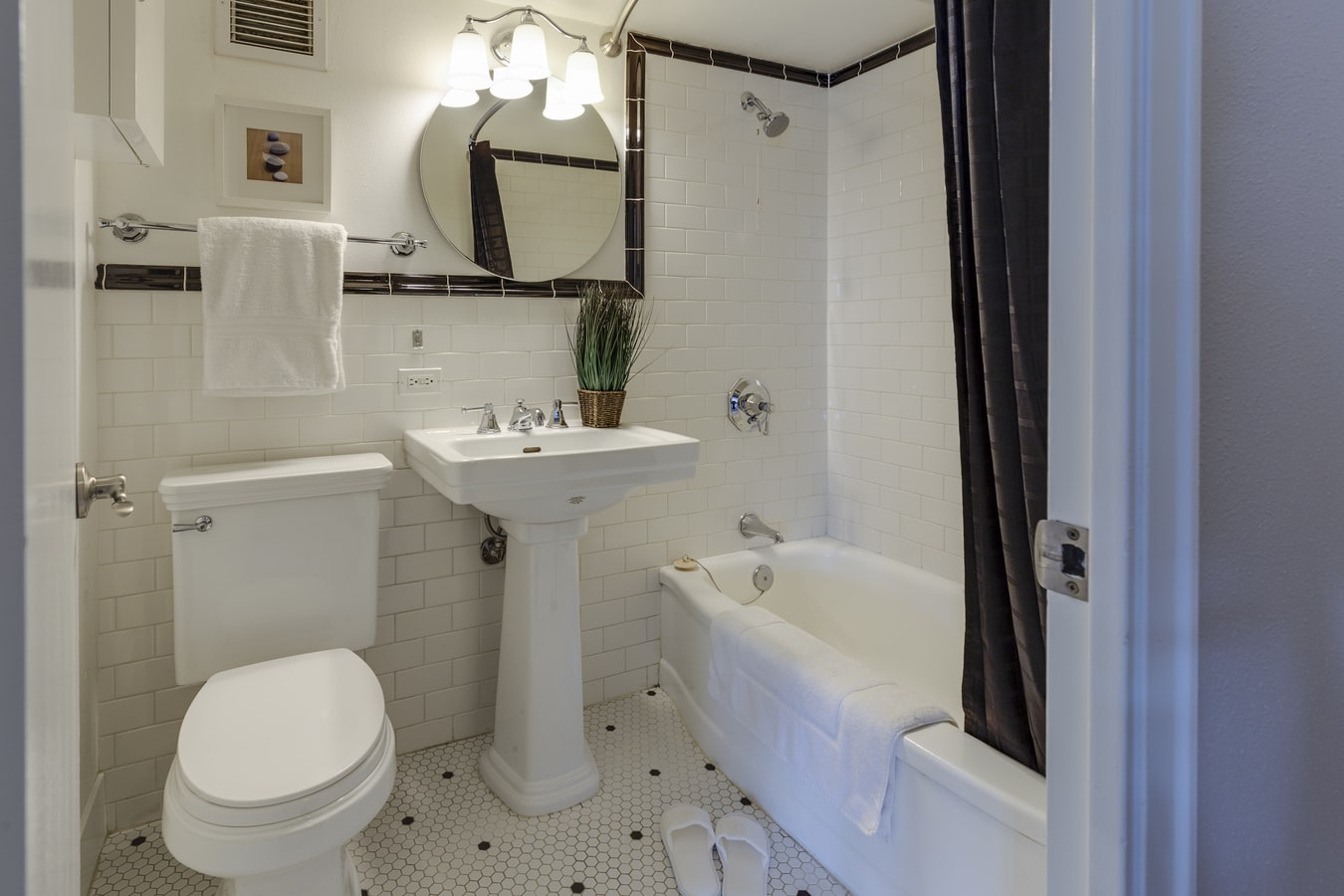 Designing Small Bathrooms