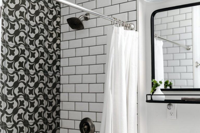 A Guide to Installing The Right Shower, Tub, And Whirlpool | Tub Reglazing | Bathtub Refinishing | Lakewood Tub Reglazing