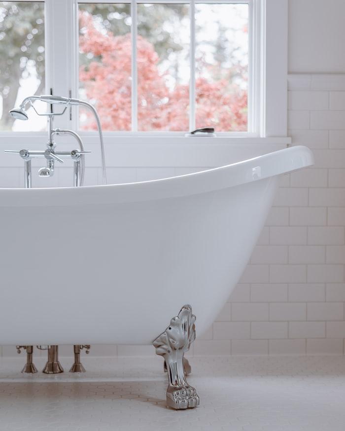 Easy Instructions on How |Tub Reglazing | Bathtub Refinishing | VT Lakewood Tub Reglazing to Install a Tub Surround